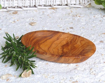 Bowls of olive wood oval MITTEL