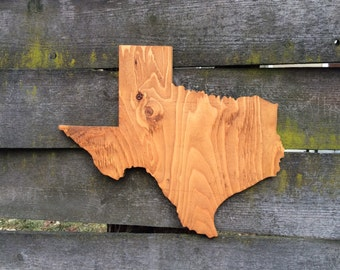 "22"" Texas Wood Cut Out Golden Oak"