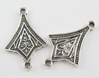 18Pcs Tibetan Silver Tone Triangle 1-1 Charm Pendant Connector 18x28mm