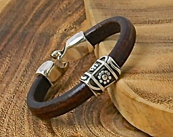 Brown Leather and Silver Flower Bracelet