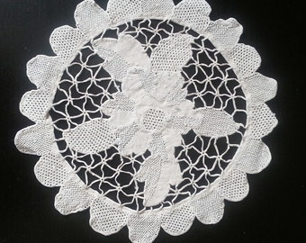 Vintage, Home Decor, shabby chic, Table topper, vintage doily, cotton,beige,