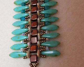 Turquoise Dagger Beaded Bracelet