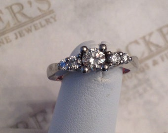Vintage Platinum & 5 Round Diamond Engagement Ring .64 tw GHI-VS1-2, center .38 ct, size 6