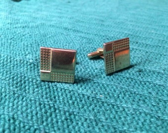 Vintage Goldtone Square Design Cuff Links, 5/8'' Long by 5/8'' Wide