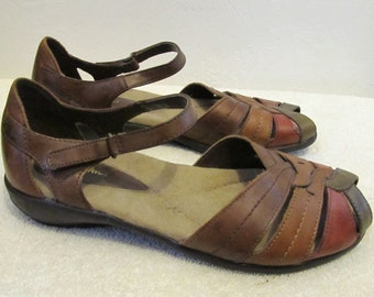 Vintage 90's,Colored Leather SANDALS With Woven Open Toe By THOM McAN.8W