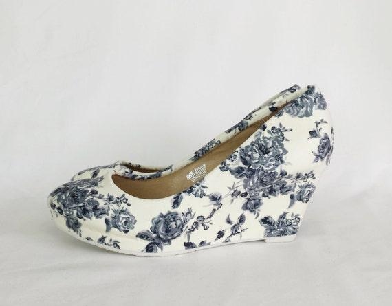 Wedge Heel Shoes For Wedding: Bridal Wedge. Wedding Shoes Wedding Heels Vintage Wedding