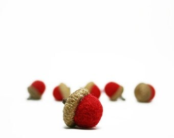 Needle Felted Wool Acorns, Natural Home Decor, Bowl Fillers , Woodland Decor set of Six Acorns Red Colors