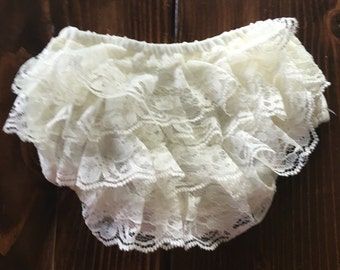 Ivory Baby Bloomers, Diaper Cover, Baby Diaper Cover, Lace Bloomers, Lace Diaper Cover