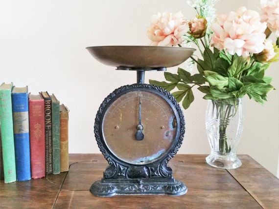 Vintage salter scale rustic kitchen weighing scales number for Rustic kitchen scale