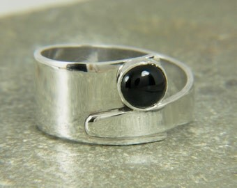 Black onyx ring, Sterling silver overlapping ring - wide ring unique design