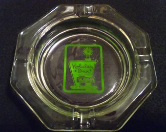 Vintage Holiday Inn Ashtray. Octagon with Green Lettering. Collectible advertizing. Tobacciana.