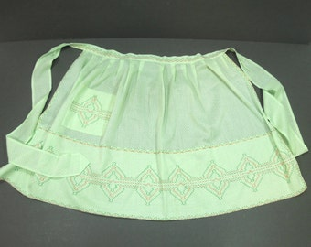 Green Woman's Half Apron Swiss Dot Chicken Scratch Embroidery - Housewarming Cook Chef Retro Vintage