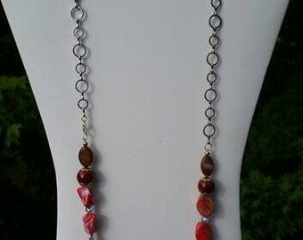 Beads and chain necklace