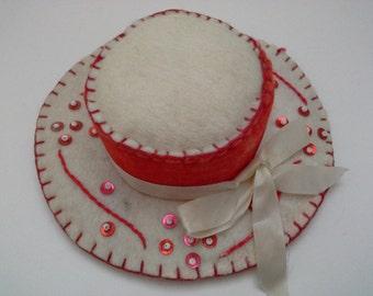 Vintage Pincushion, Hat Pincushion, Red White Pincushion, Hat Pin Cushion, Sequined Pincusion, Felt Pincushion, Felt Hat Pincushion