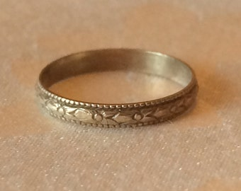 Vintage Baby Infant Ring, 10k Yellow Gold Size 0/1