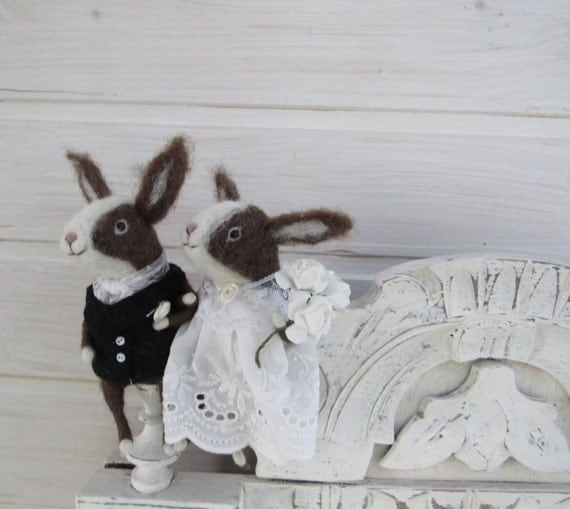 Wedding couple rabbits Felted bunnies happy couple a wedding Gift Felted toys as a gift