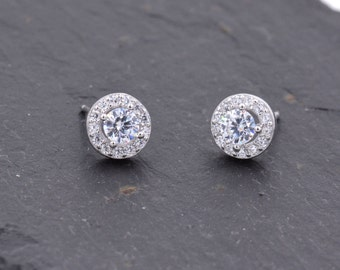 Sterling Silver Ultra Sparkly Classic Design CZ Crystal Stud Earrings z6