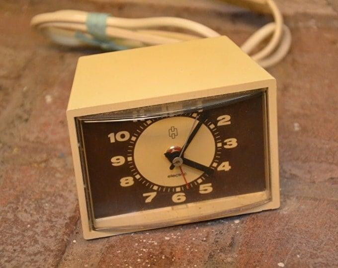 Seventies vintage HEMA alarm clock - Brown