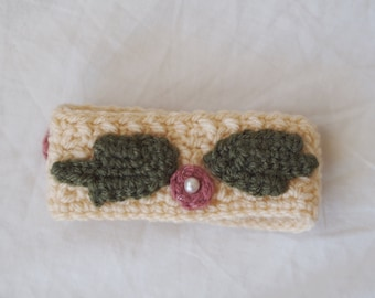 Woman CROCHET BRACELET.Wool Strap.Beige with 3sage leaves and 3cyclamin flowers.Beads.Hand made.Customizable.Perfect to your summer