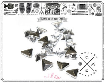 50PCS 10MM Nickel TRIANGLE pyramid studs Glam rock biker NAILHEADS Leathercraft.