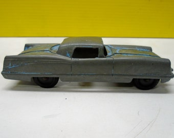 TOOTSIETOY TOY CAR In Metal From The 1950's Big Fin Era