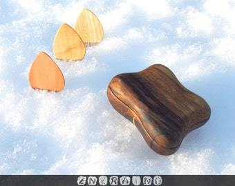 Guitar pick holder/guitar pick box/wooden guitar pick/guitar pick case/wooden guitar picks/wooden design/personalized guitar pick box/WALNUT