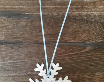 Glitter Snowflake Tags 10 CT, Frozen Party Favor Tags, Frozen Party Decor, Holiday Tags 10 CT, Party Tags, Winter ONEderland Tags