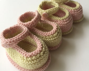 Hand knitted baby shoes / booties with cashmere 0 - 3 month