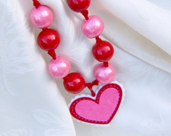 Valentine party favor //Valentine edible gumball necklace pink and red with felt heart charm // Valentine party supplies