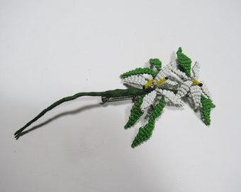 1950s - Delicate - Glass Bead Brooch