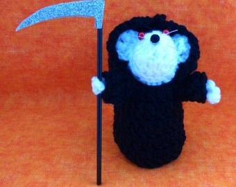 Crochet Grim Reaper Mouse, Halloween decor, Haunted House decor, Party Favors,