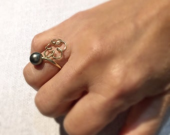 Gold filled Tahitian pearl adjustable ring.