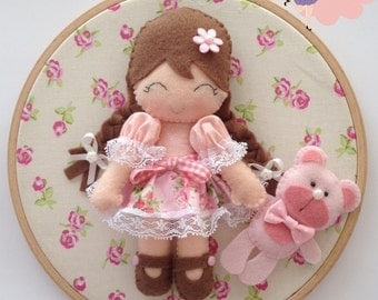 Embroidery Hoop Wall Décor - Girl and little bear