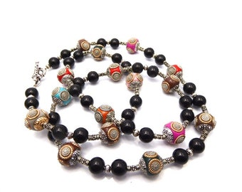 Necklace black Indonesian and glass pearls
