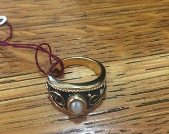 Vintage Faux Pearl Ring