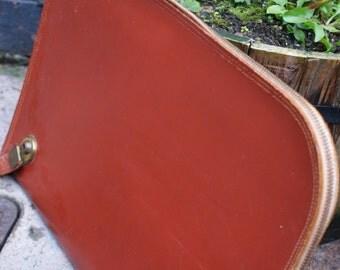 Vintage brown leather book bag/carry bag/laptop case