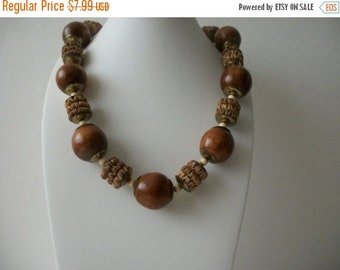 ON SALE Vintage Chunky Tribal African Natural Wood Carved Beads Necklace 72916