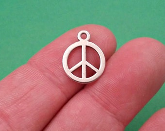 30 Peace Charms / Pendants BULK Lot Findings / Antique Silver / Peace Symbol - Peace Sign / Jewelry Making Supplies