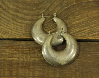 vintage 1980s silver puffy hoop earrings