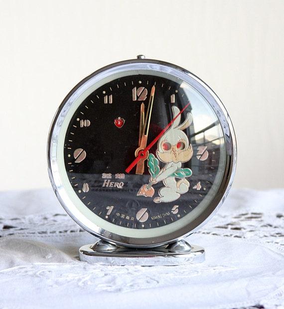 Vintage alarm clock Animated bunny rubbit Wind up mechanical clock Hero desk clock Old table clock Chinese Dark black dial