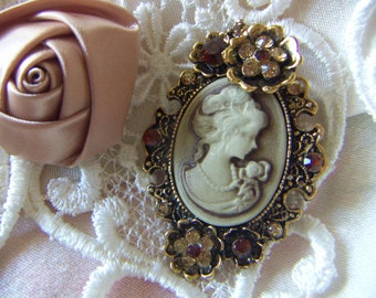 Cameo Romantic Lady Women Antique Victorian Brooch Antique Gold Cabochon Brooch with Amber Rhinestone Birthday Gift CLEARANCE SALE