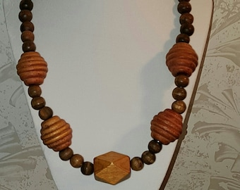 earth tones wooden necklace