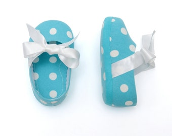1st birthday outfit - Baby girls' turquoise polka dots shoes - Infant girl party outfit - baby shower gift- crib shoes - size 0-12 months