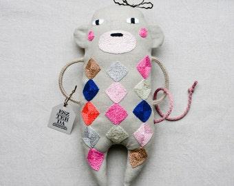 Embroidered monkey by ESZTERDA