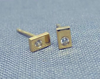 Solid 9k Yellow Gold rectangular Stud Earring with diamond
