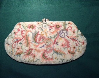 1940's Fully beaded clutch purse