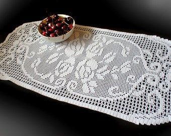 Filet Crochet Doily with flowers, lace doily, filet doily, white crochet doily, flower doily, lace doily wedding decorations