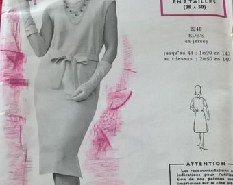 """UNOPENED Fabulous 60's french vintage sewing pattern - """"Patrons Modes & Travaux"""" 2240  Dress for Knit woman sizes 40-44-48  / size 12-16-20"""