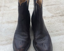Levis Leather Ankle Boots: Womens Size 9.5