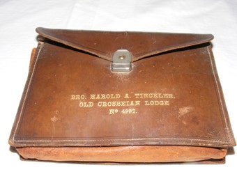 A Vintage Leather Masonic Pouch - Masonic Regalia